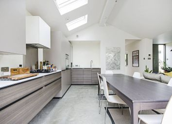 3 bed property for sale in Mansfield Road, Walthamstow, London E17
