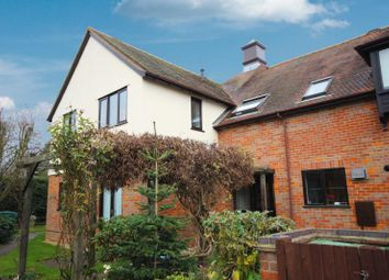 Thumbnail 2 bed flat to rent in Nappins Close, Long Crendon, Buckinghamshire
