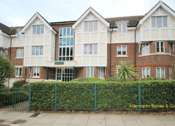 Thumbnail 2 bed detached house to rent in Station Road, London