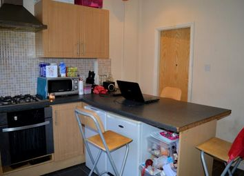 Thumbnail 6 bed terraced house to rent in Welton Place, Leeds