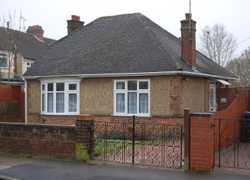 Thumbnail 2 bedroom detached bungalow for sale in Lynwood Avenue, Luton