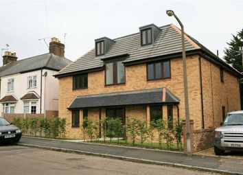 Thumbnail 2 bed flat to rent in Longfield Road, Tring