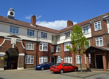 Thumbnail 3 bed flat to rent in Fountain Road, London