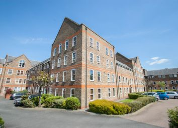 2 bed flat to rent in Millacres, Station Road, Ware SG12