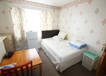 Thumbnail Property to rent in Baxter Road, London
