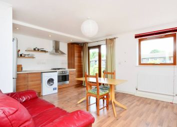 Thumbnail 1 bed flat to rent in Cazenove Road, Stoke Newington
