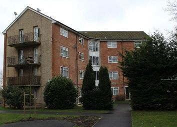 Thumbnail 2 bedroom flat to rent in Hunters Hill, Burghfield, Reading