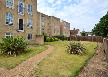 Thumbnail 2 bed flat to rent in Queensgate House, 14 Cookham Road, Maidenhead, Berkshire