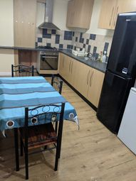 Room to rent in Green Street, London E13