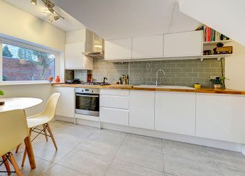 Thumbnail 1 bed flat to rent in Amhurst Park, Stoke Newington