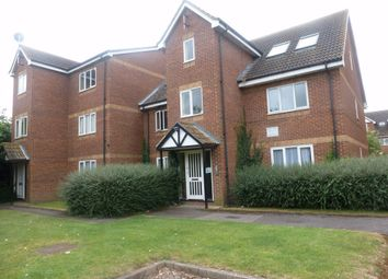 Thumbnail 2 bed flat to rent in Common Road, Langley, Berkshire