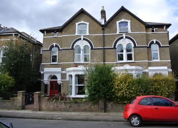 3 bed flat to rent in Avon Road, Brockley SE4