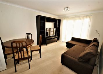 2 bed flat to rent in Rawlyn Close, Chafford Hundred, Grays RM16
