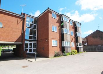 2 bed flat to rent in St. Andrews Gardens, Colchester CO4