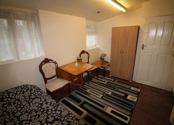 Thumbnail Property to rent in Colindeep Lane, London