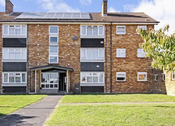 Thumbnail 2 bed flat for sale in Duncombe Close, Luton
