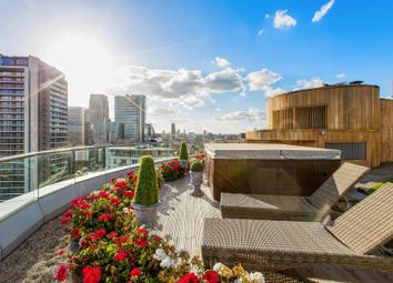 Thumbnail 2 bed flat for sale in New Providence Wharf, 1 Fairmont Avenue, London