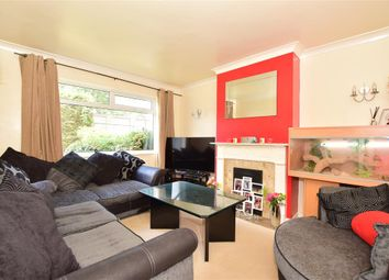 Coulsdon Road, Caterham, Surrey CR3. 2 bed maisonette