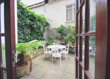 Thumbnail 3 bedroom flat to rent in Queens Gate Gdns, South Kensington