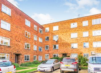 Thumbnail 2 bed flat for sale in Victoria Road, Gidea Park, Romford