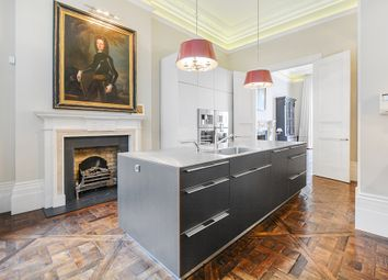 Thumbnail 4 bed flat to rent in De Vere Gardens, London