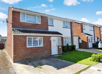 Thumbnail 5 bedroom detached house for sale in Aidans Close, Dunstable