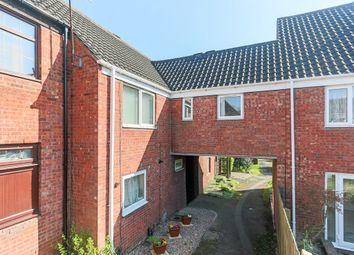 Thumbnail 1 bedroom maisonette for sale in Heronfield Close, Church Hill South, Redditch