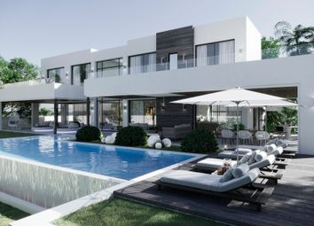 Thumbnail 5 bed villa for sale in La Quinta, Malaga, Spain