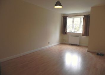 1 bed flat to rent in Leigh Hunt Drive, London N14