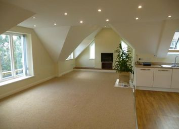 Thumbnail 3 bed flat to rent in Victoria Road, Penarth