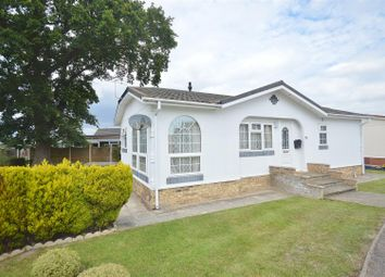 2 bed mobile/park home for sale in The Spinney, Jaywick Lane, Clacton-On-Sea CO16