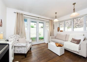 Thumbnail 2 bedroom flat for sale in Glazbury Road, West Kensington