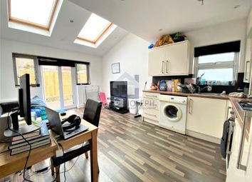 3 bed maisonette to rent in Fairlight Road, Tooting Broadway, London SW17