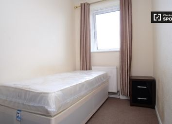 Thumbnail Room to rent in Penfold Street, London