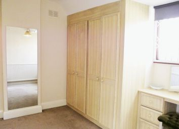 Thumbnail 4 bed terraced house to rent in Decoy Avenue, London