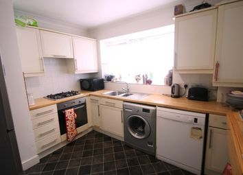 Thumbnail 2 bed flat to rent in Eldred Avenue, Brighton
