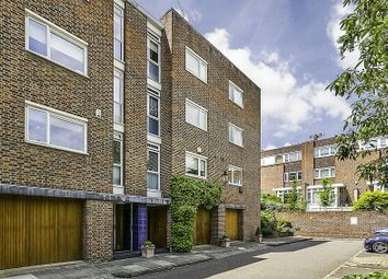 Thumbnail 5 bed property for sale in Woodsford Square, London