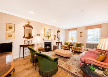Eastbourne Mews, London W2. 3 bed mews house