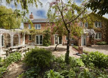 Thumbnail 6 bed barn conversion for sale in Cheddington Road, Cooks Wharf, Buckinghamshire
