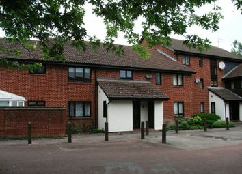 Thumbnail Studio to rent in Exeter Court, Didcot