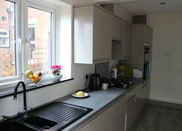 3 bed terraced house to rent in Manor Farm Road, Southampton SO18