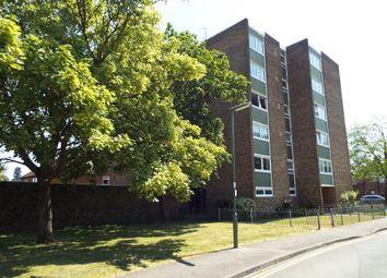 Thumbnail 1 bed flat to rent in Grenside Road, Weybridge