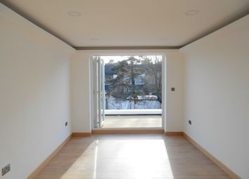 Thumbnail 3 bedroom flat to rent in Southbridge Road, South Croydon
