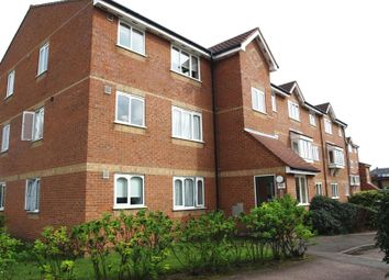 Thumbnail 1 bed flat to rent in Blackdown Close, East Finchley