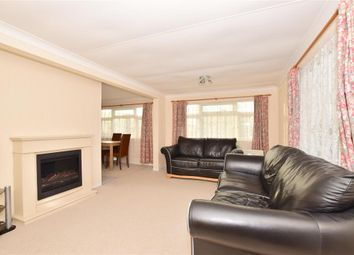 3 bed mobile/park home for sale in Hoo Marina Park, Hoo, Rochester, Kent ME3