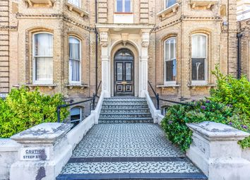 Thumbnail 2 bed flat to rent in Third Avenue, Hove, East Sussex