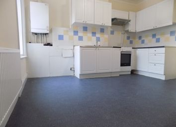 Thumbnail 2 bed flat to rent in Ashburnham Road, Luton, Bedfordshire