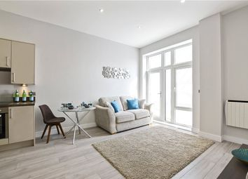 Thumbnail 2 bedroom flat for sale in The Avenue, Southend On Sea, Essex