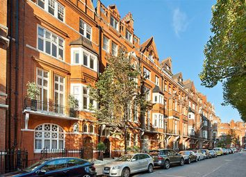 Thumbnail 4 bed flat to rent in Cadogan Gardens, London