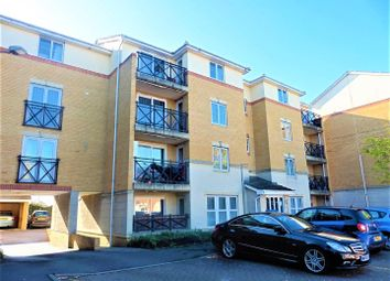 2 bed flat to rent in Sewell Close, Chafford Hundred, Grays RM16